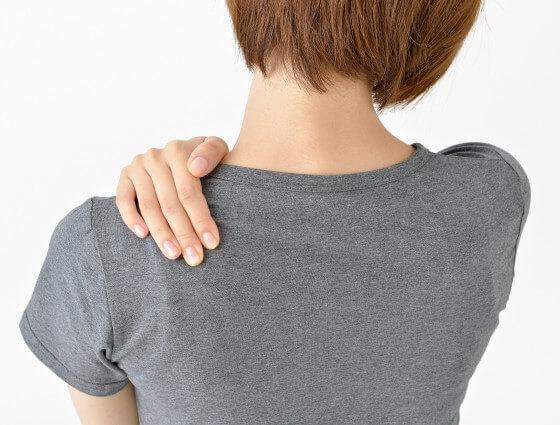 首から肩の痛み